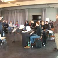 """""""Die wichtigsten Körperteile eines Dirigenten sind seine Augen!"""" Chor@Berlin startet mit Dirigierkurs"""