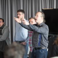 Zeitungsreporterin im Singen-ohne-Noten-Workshop