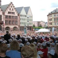 Rückblick auf die Initiatilzündung: Deutscher Jugendkammerchor und Wise Guys bei der Eröffnung des Chorfestes