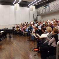 """Bertrand de Billy und Frankfurter Chöre bereiten sich auf das Mitsing-Konzert """"Elias"""" vor"""