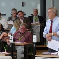 Rechtsanwalt Christian Heieck sorgt für einen juristisch einwandfreien Ablauf der Wahl